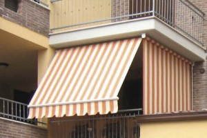 Vertical patio awning